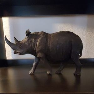 Other - Rhino figurine